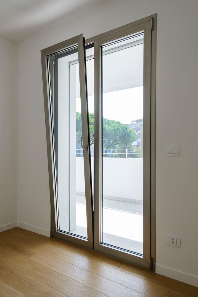 Costi infissi in alluminio finest infissi in alluminio - Costo finestre alluminio ...